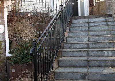 B4 Balcony and handrail 3