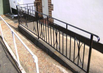 B4 handrail with alternate motifs