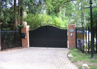 Bell Top Elmwood Gates with Backing (Automated)