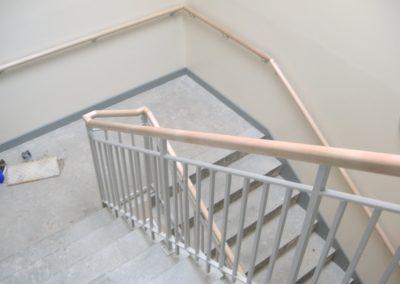 B4 handrail to take wooden rail