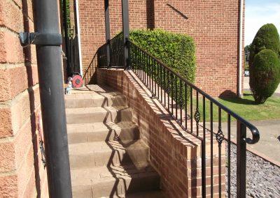 Bespoke handrail with baskets