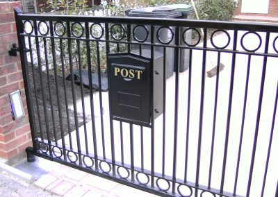 Driveway pair with rings and post box