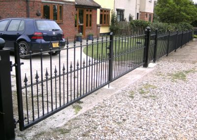 Victoria flat top driveway gates