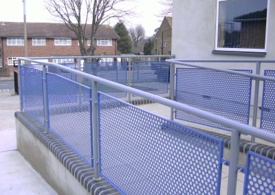 Stainless steel handrail with panel infill