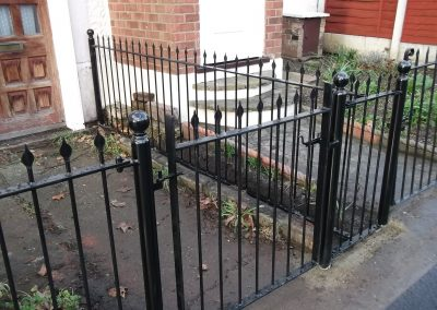 Straight bar railing and gate with alternative finial 1