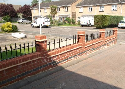 Victoria wall railing staggered 1