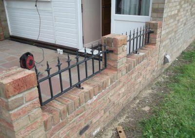 Victoria wall railing with flame railhead