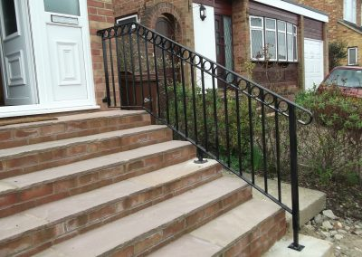bespoke handrail with rings