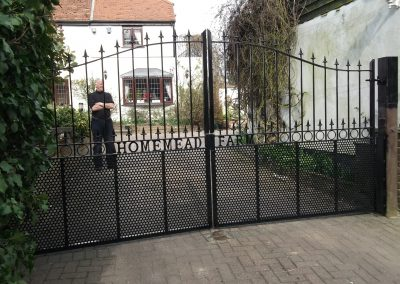 Alternative Victoria driveway gates and rings