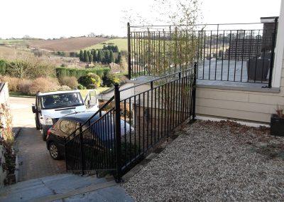 B4 Balcony and handrail 2
