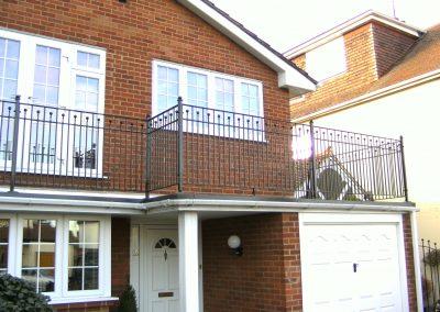 B4 balcony with finials