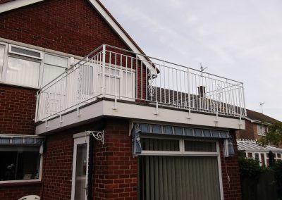 B4 balcony with Kingston motif 01