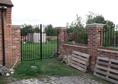 Bell Top Kingdston gates & railings 3