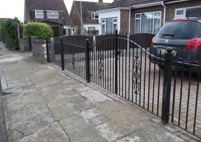 Kingston bell top driveway gates