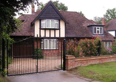 Bell Top Victoria Gates and Railings (Standard Infill)