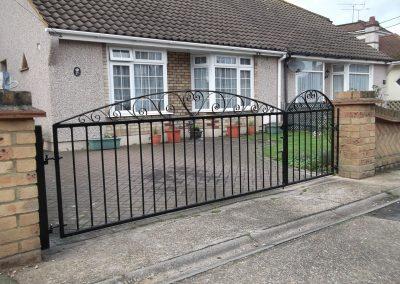 Bespoke bow top gates