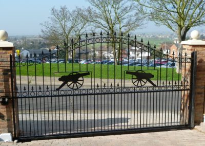 Ashworth sliding gate incorporating cannons