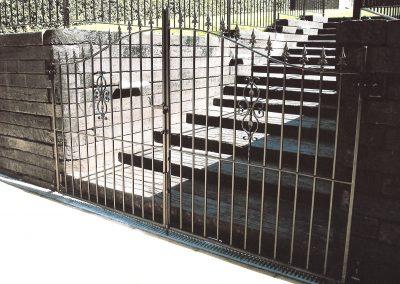 Bow Top Elstead Entrance Gates