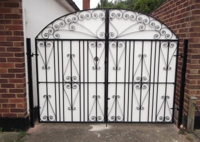 Ross bow top entrance gates