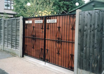 Flat Top Ross Entrance Gates with Ply Wood Backing