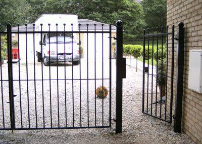 Flat top security gates