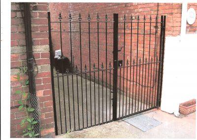 Victoria flat top entrance gates