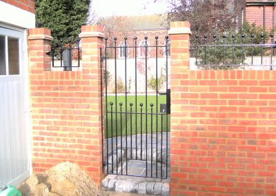 Flat top Victoria side gate