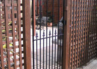 Victoria flat top side gate