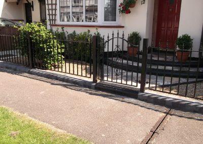 Kingston bell top pedestrian gate