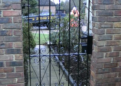 Pitsea bow top side gate