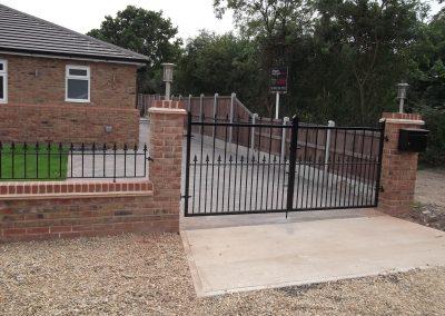 Victoria driveway gates, railing and sliding gate 01