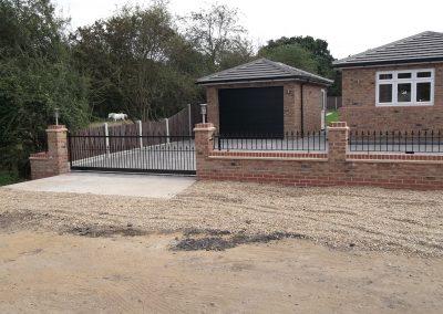 Victoria driveway gates, railing and sliding gate 02