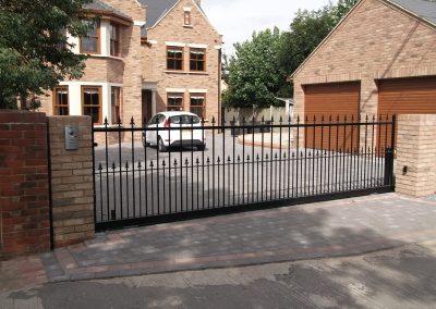 Victoria sliding gate