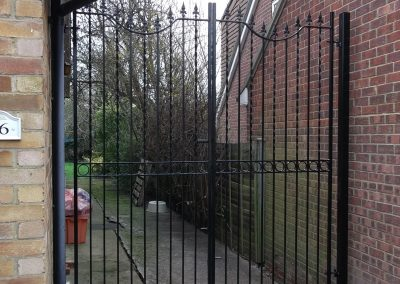 Windsor dip down entrance gates